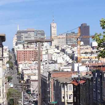 Photo of Jackson St & Gough St in Pacific Heights, San Francisco
