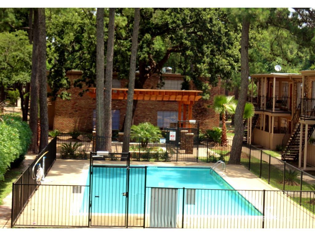Shenandoah Woods Apartments photo #1