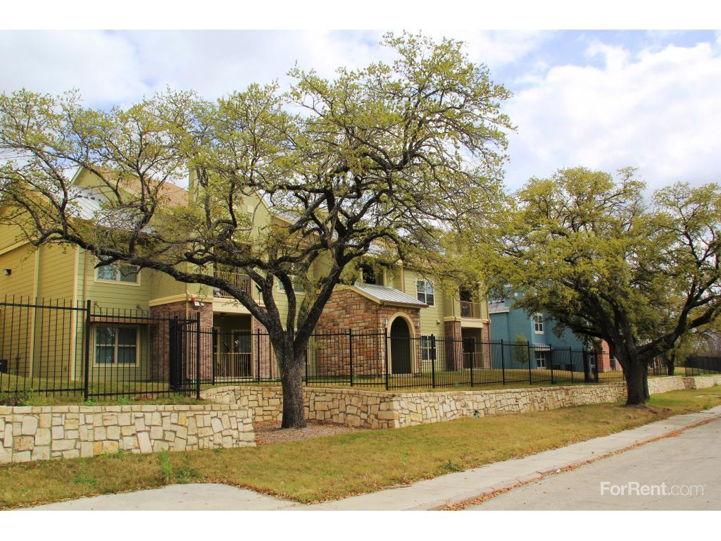 Sutton Oaks Apartments San Antonio