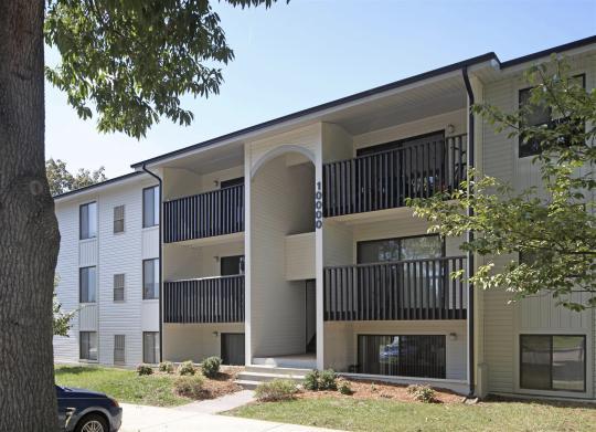 Foxridge Apartments photo #1