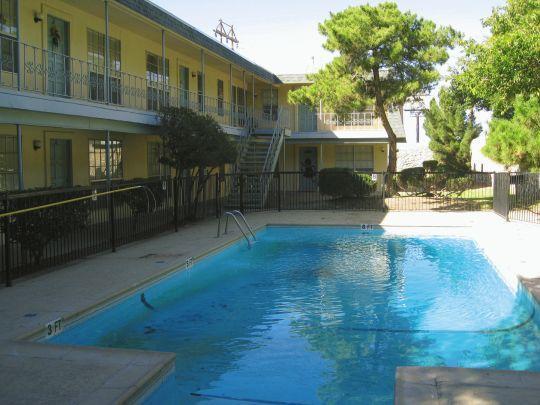 Monterrey gardens apartments el paso tx walk score for The garden pool el paso
