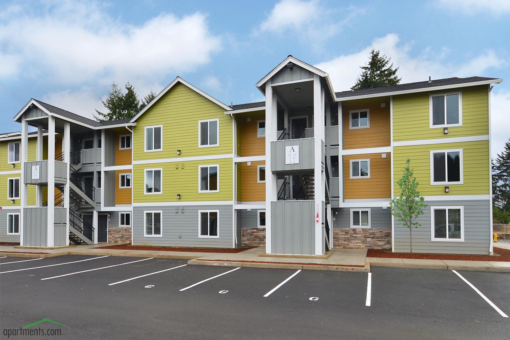 Rock Creek Commons Apartments photo #1
