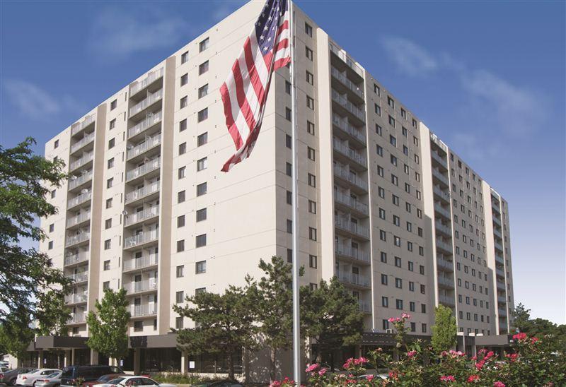 Center Line Park Towers Apartments photo #1