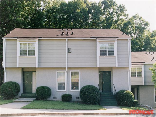 Woodridge Apartments photo #1