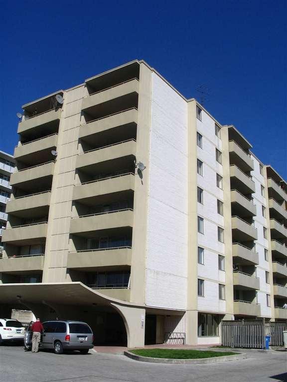 Lakeshore Place Apartments