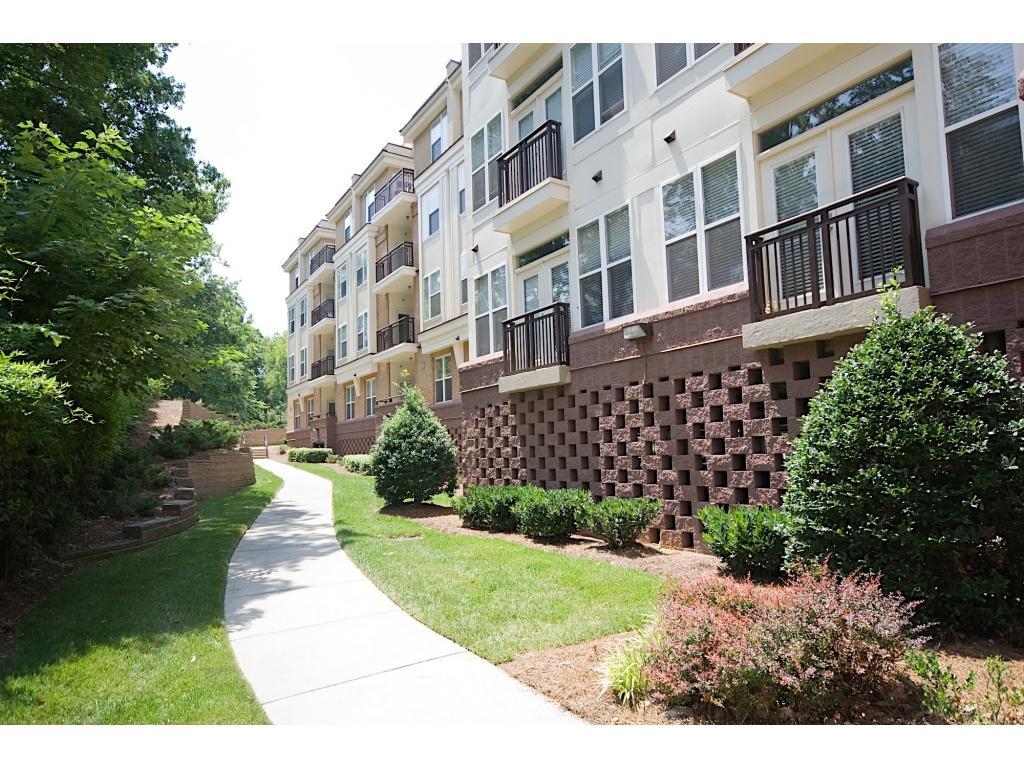 Ten 05 West Trade Apartments Charlotte Nc Walk Score