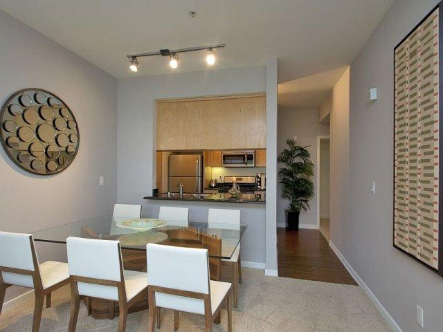 Living at Santa Monica Apartments photo #1