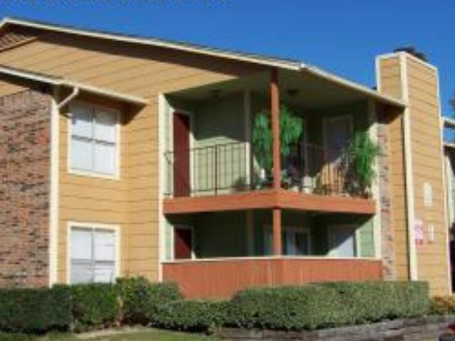Bella Vista Pointe Apartments photo #1