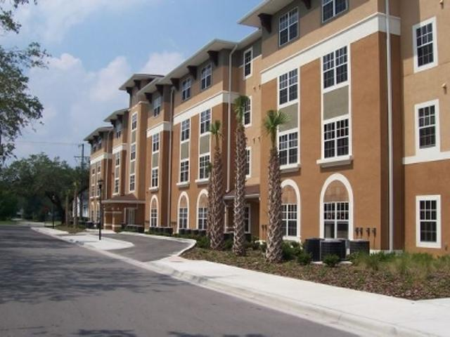 Oaks At Riverview Apartments photo #1