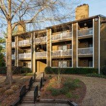 Rosemont Apartments photo #1