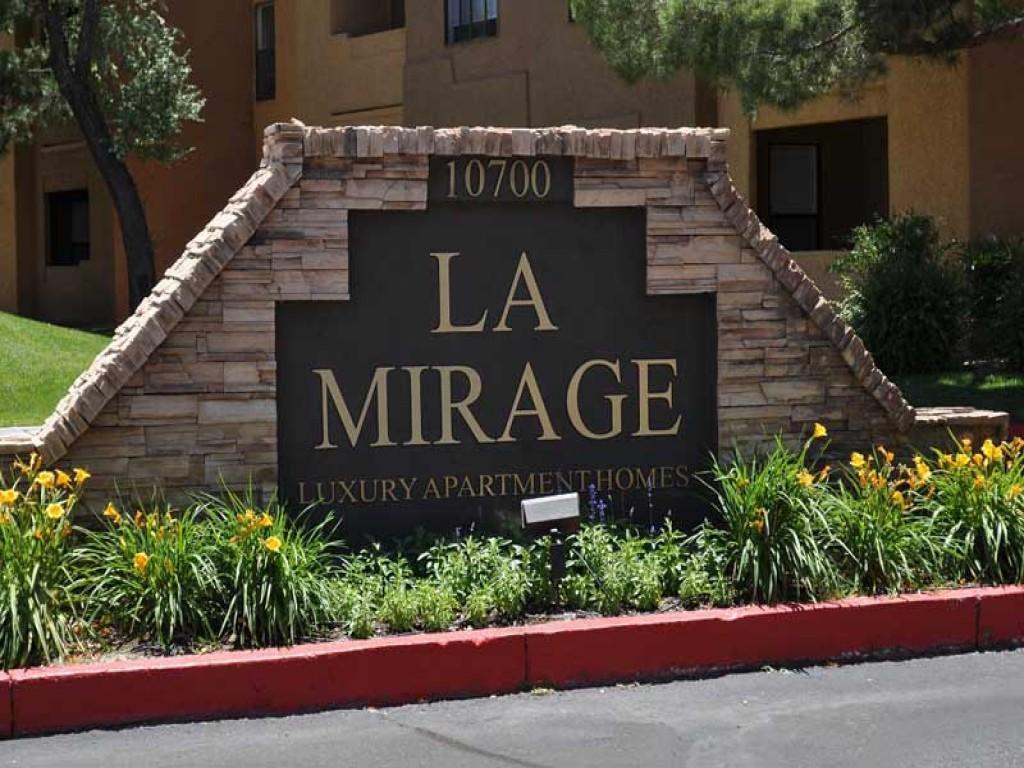 La Mirage Apartments photo #1