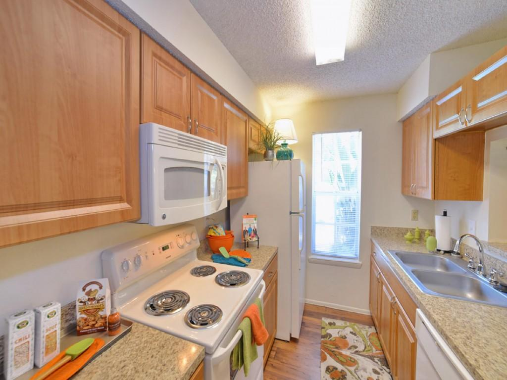IMT Newport Colony Apartments photo #1