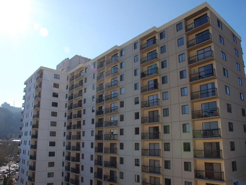 Linc245 Apartments photo #1