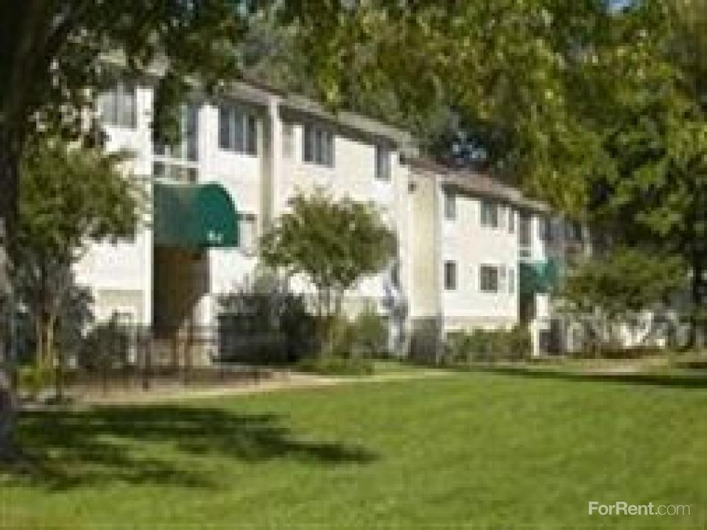The Fields of Leesburg Apartments photo #1