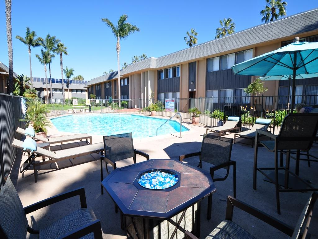 Pacific Breeze Apartments San Diego