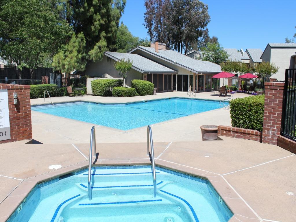 Carmel Pointe Apartments photo #1