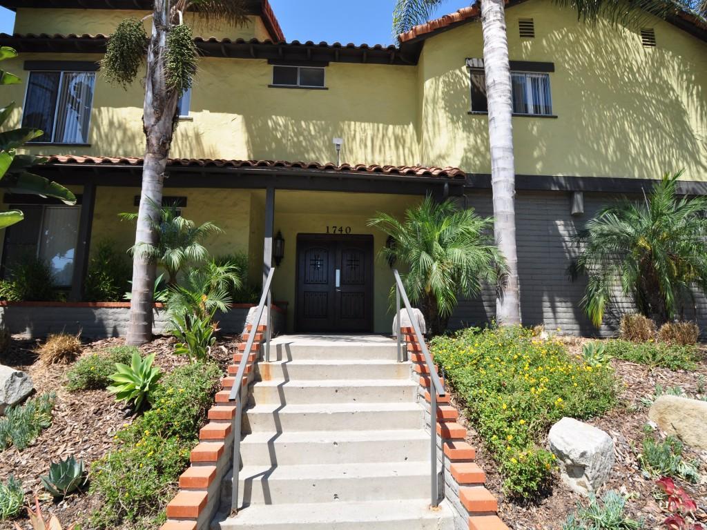 Diplomat Apartments San Diego