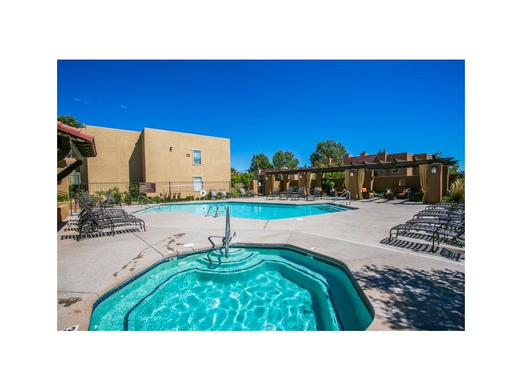 6000 Montano Plaza Dr NW photo #1