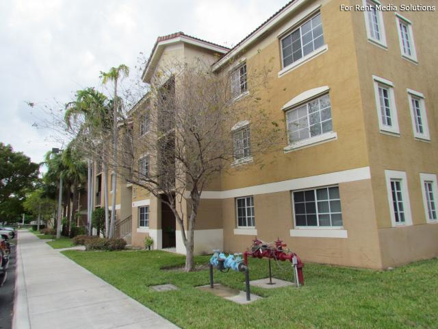Banyan Pointe Apartments Coconut Creek