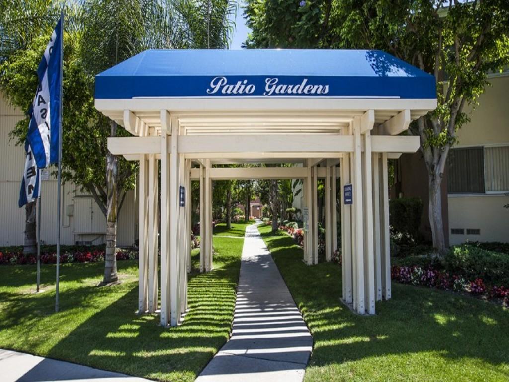 patio gardens apartments ca walk score
