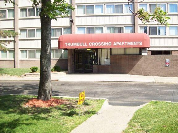 Trumbull Crossing Apartments photo #1