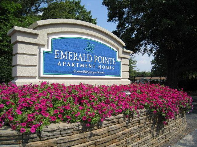 Emerald Pointe Apartments photo #1