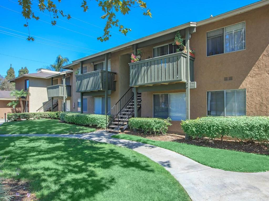Meadowood Place Apartment Homes Apartments Garden Grove