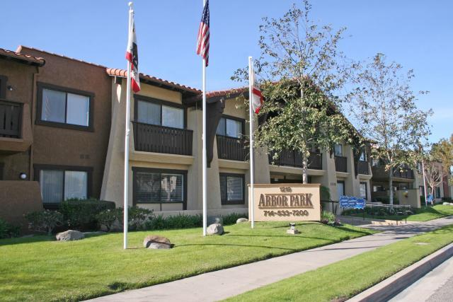Arbor Park Apartment Homes Apartments Anaheim Ca Walk Score