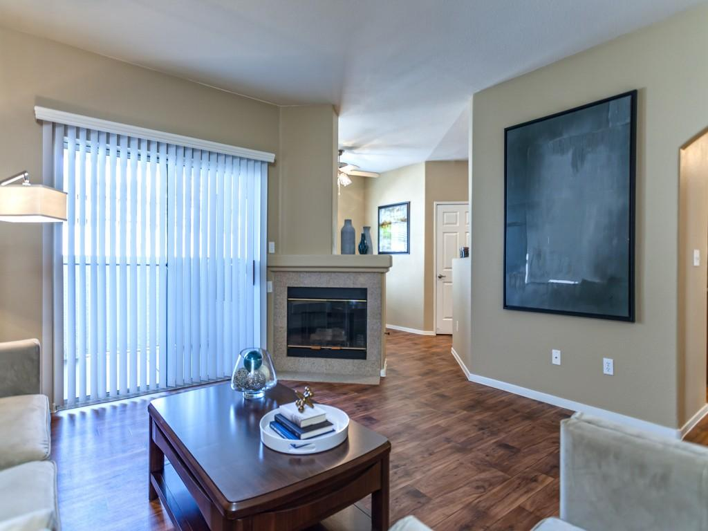 apartments ranges from 985 for a one bedroom to a 1 255 two bedroom