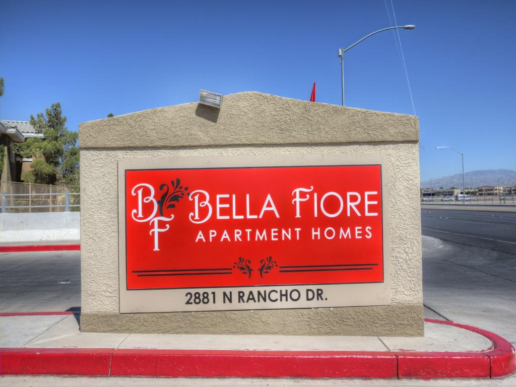 One Bedroom Apartments Charleston Sc Bella Fiore Apartments Las Vegas Nv Walk Score