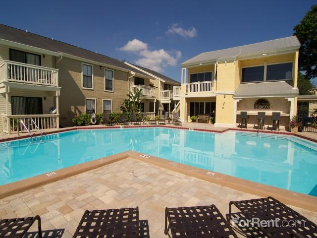 Bay Oaks Apartments photo #1