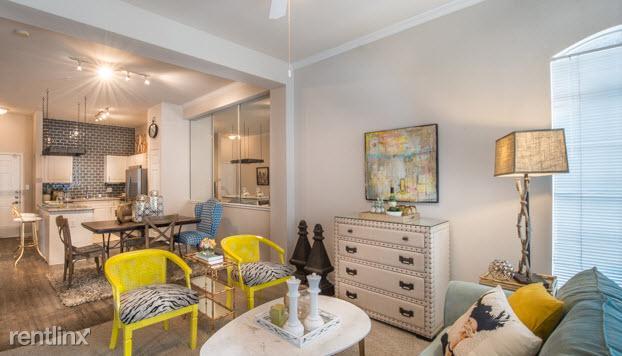 906 Allen St Apartments photo #1