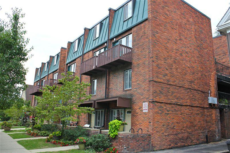 Carriage House Apartments photo #1