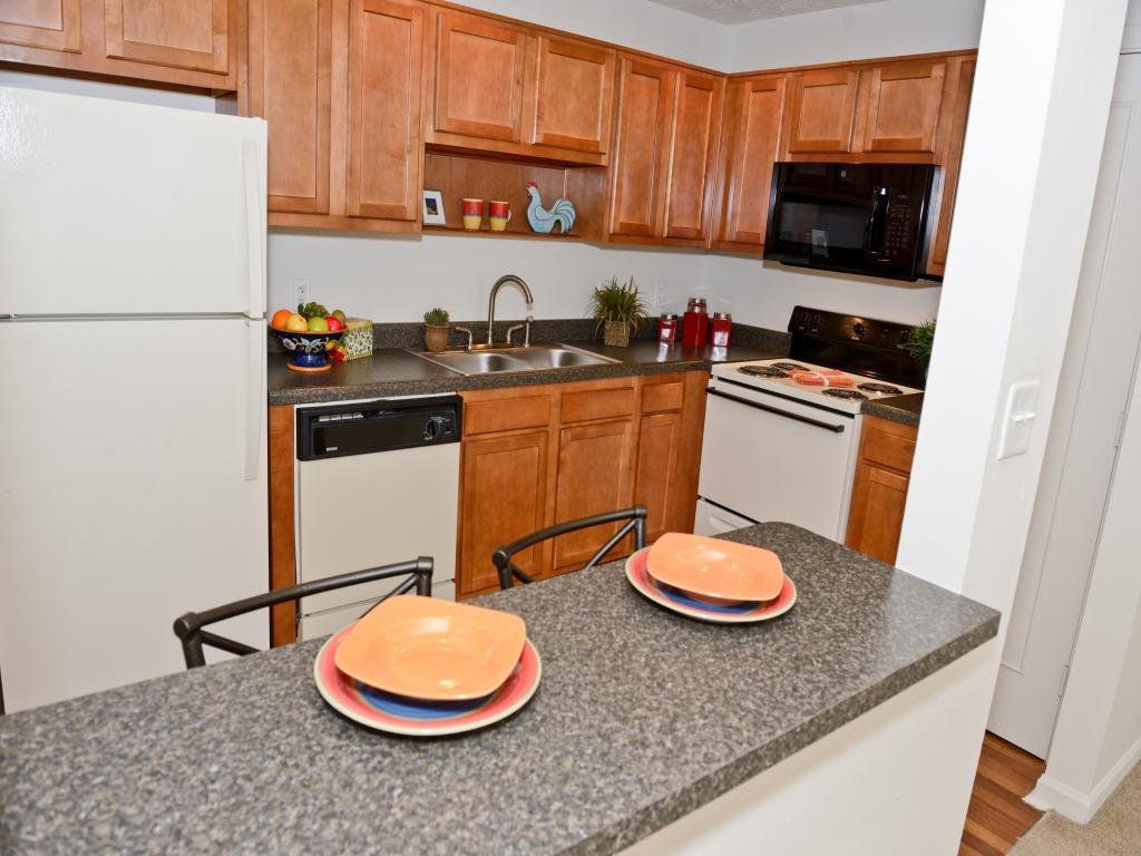 Greenwood Oaks Apartments photo #1
