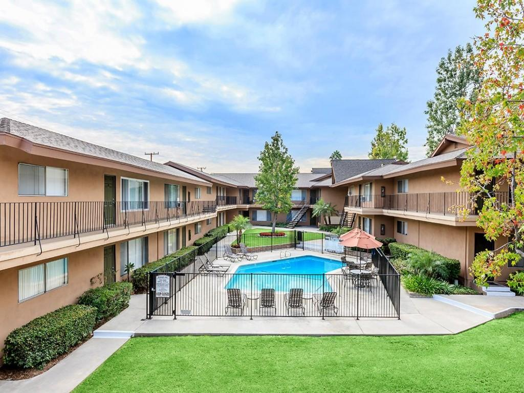 Glenwood apartment homes apartments whittier ca walk score for Glenwood house