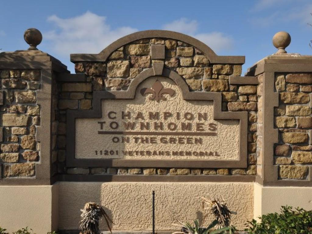 Champion Townhomes On The Green Apartments Houston Tx Walk Score