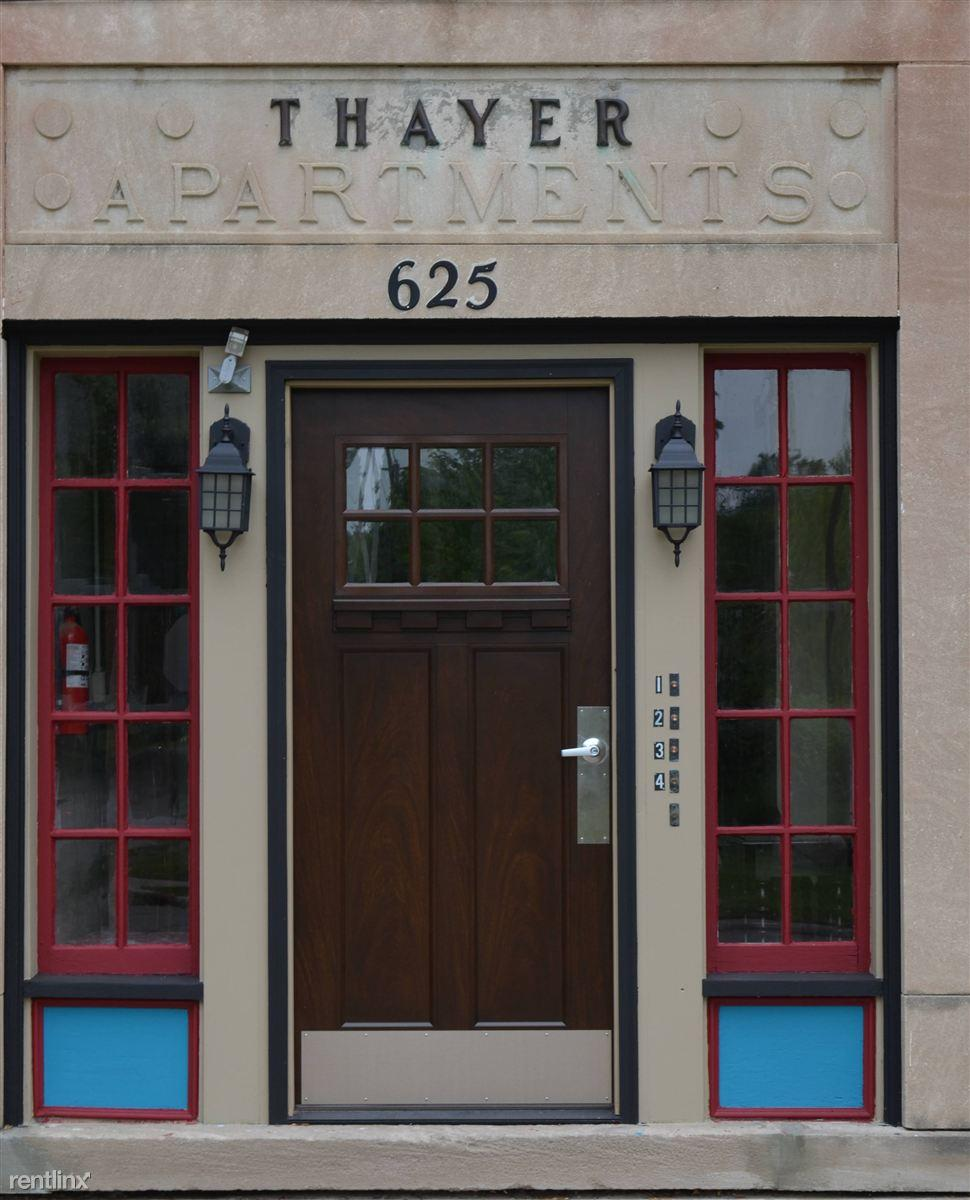 625 Thayer St photo #1
