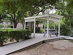 Royal Pines Apartments Houston Tx