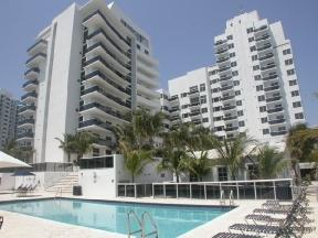 Breathtaking Oceanfront And Miami Skyline Views Apartments photo #1
