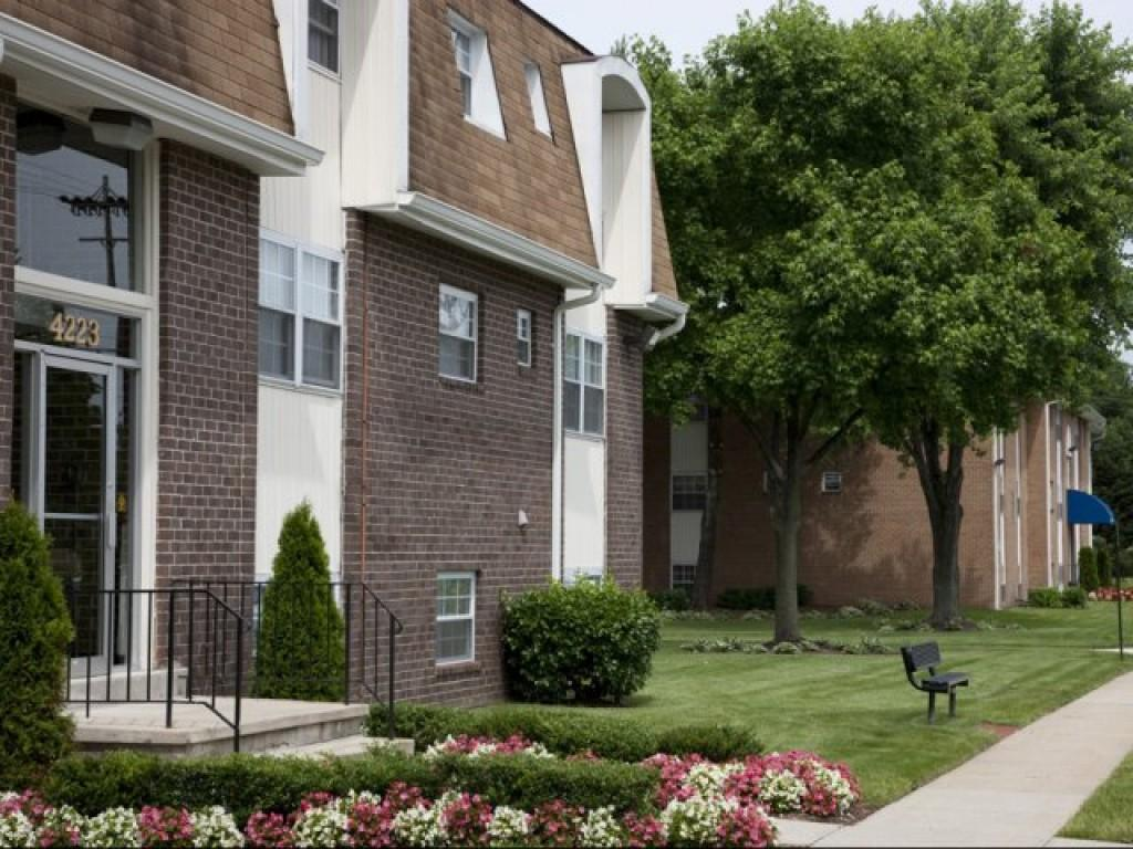 Chapel Manor Apts Apartments Perry Hall Md Walk Score
