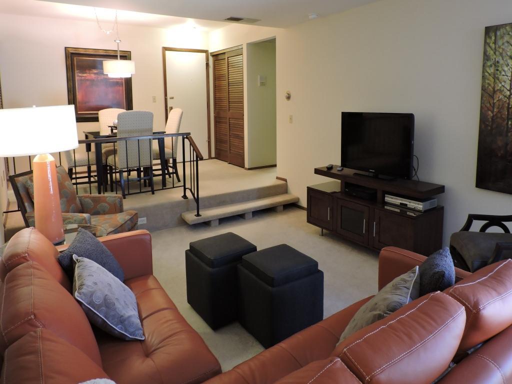 Serafino Square Apartments Wauwatosa