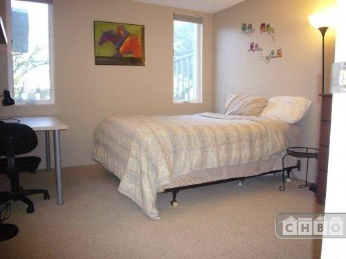 $1000 / One BR - One BA - 650ft2 - Lake City Apartment