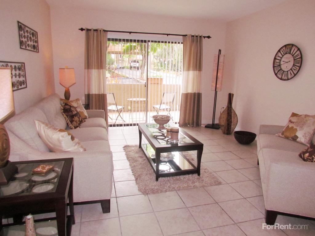 Courtyards At Miami Lakes Apartments Miami Lakes Fl Walk Score