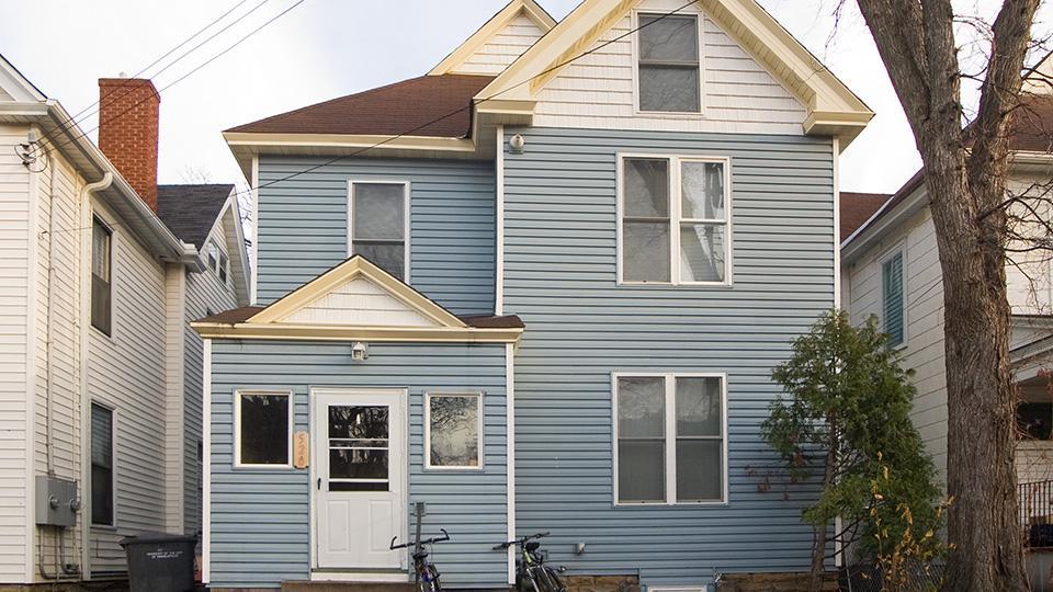 Five BR 520 12th Avenue Se photo #1