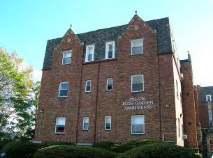 Studio apartment 5726-5730 Beacon St Apartments photo #1