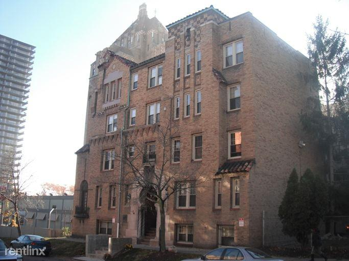 1141 Holcomb St Apartments