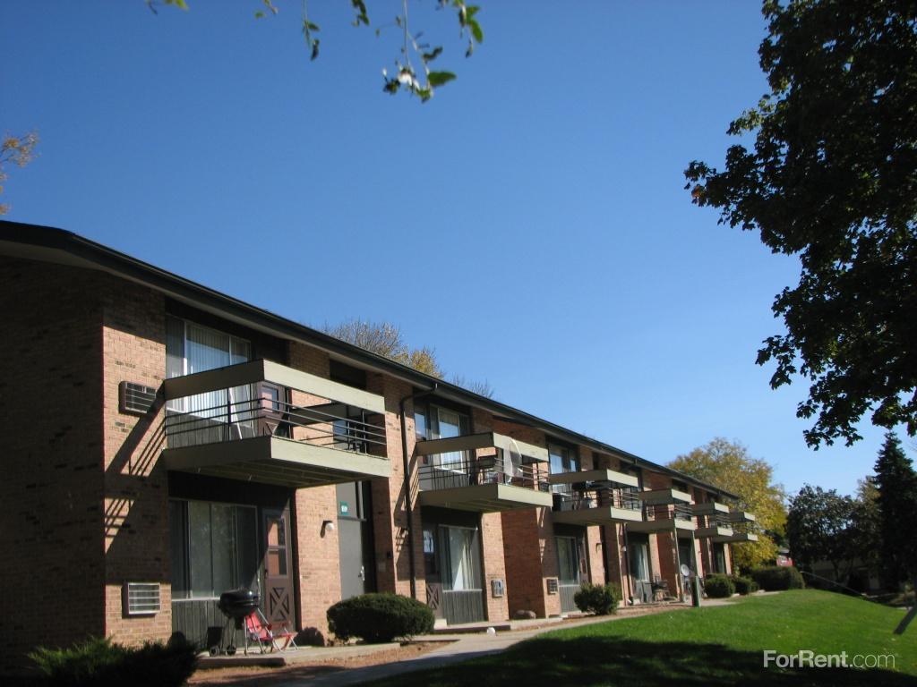 Hampton Gardens Apartments photo #1