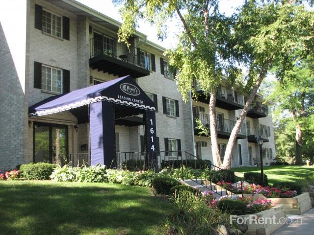 River's Edge Apartments photo #1