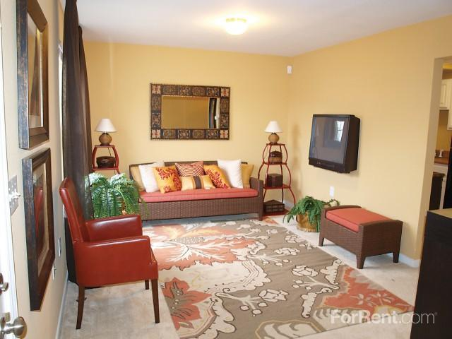 The Villas of Oakwood Apartments photo #1