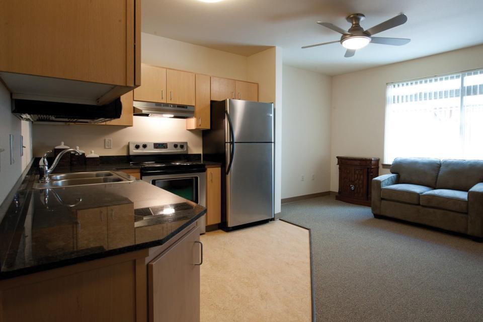 One BR 1836 Alder Street Apartments photo #1